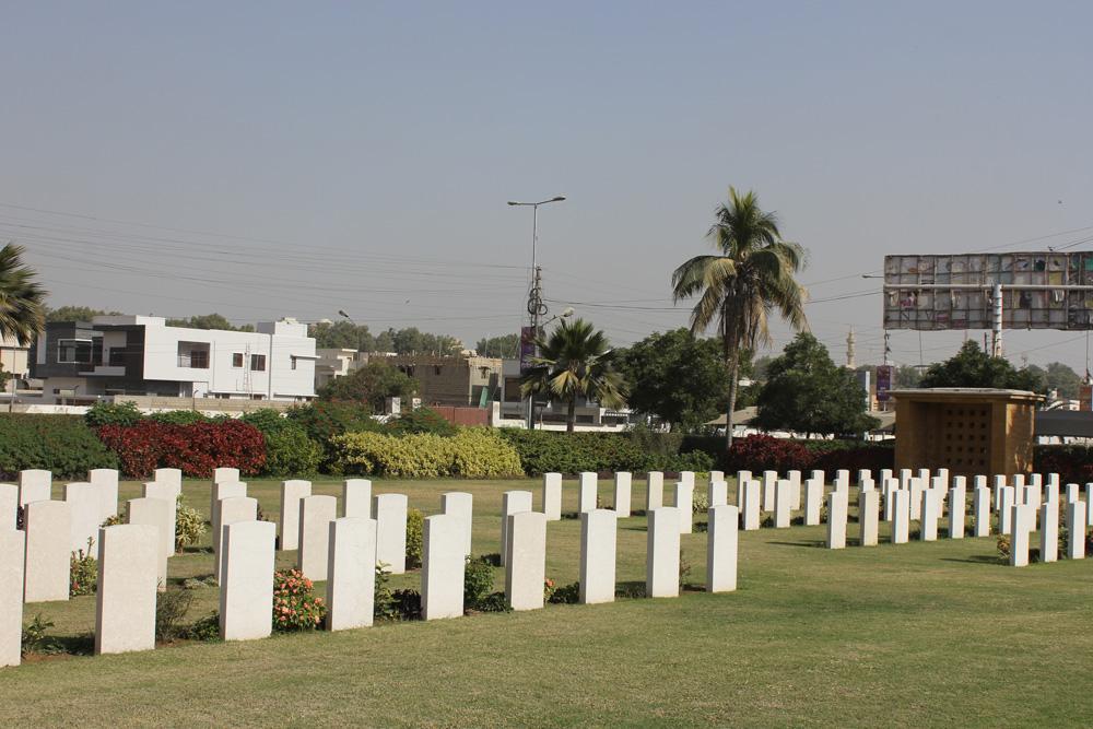 Kriegsfriedhof, Karatschi